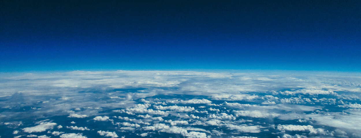 Teenuse kaanepilt kosmosest. Stratoschem ja Teeme Keemiat